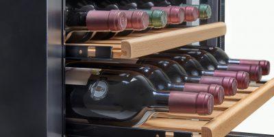 מקרר יין אינטגרלי 18 בקבוקים